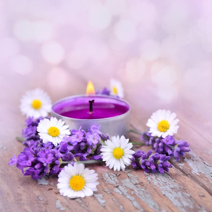 紫色のキャンドル